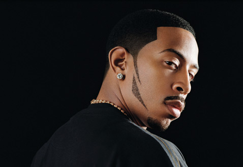 News: Rapper Ludacris Tries His Hand At Parking Lot Pimpin